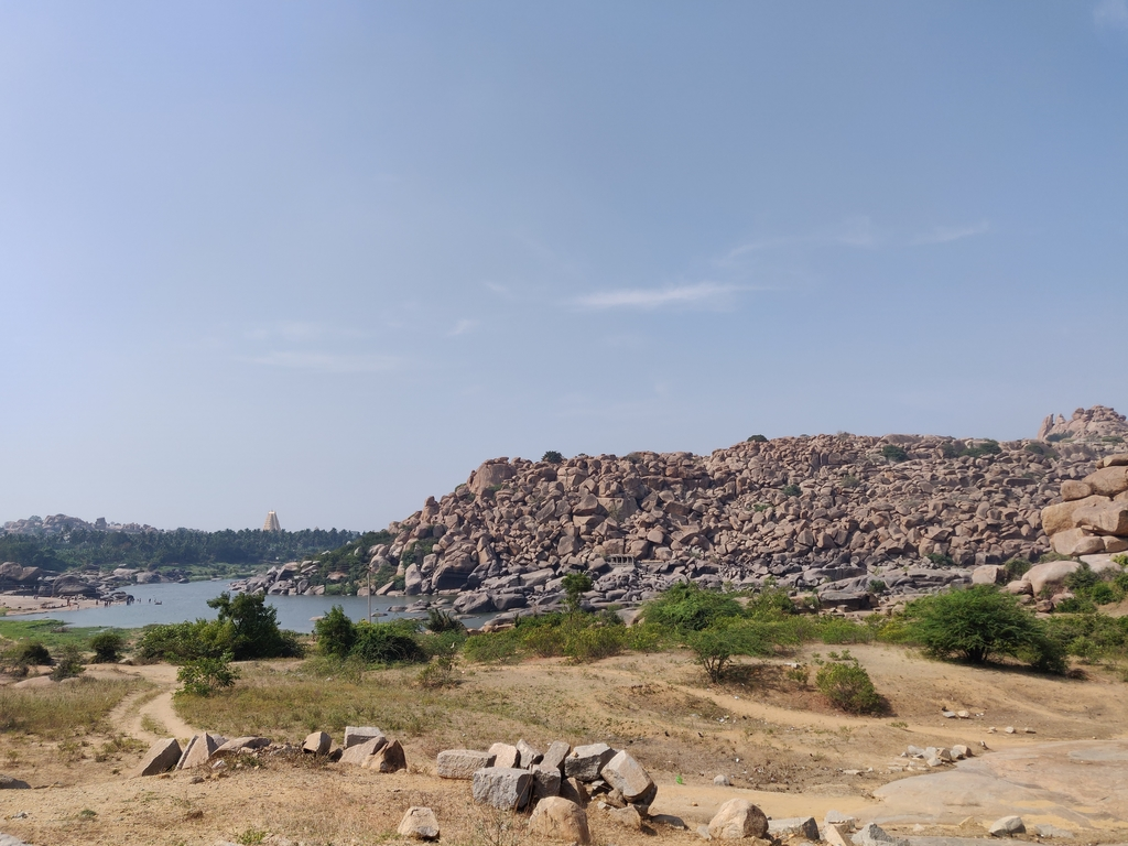 The whole area has a roc... Ruins of Hampi. MemExp Blog