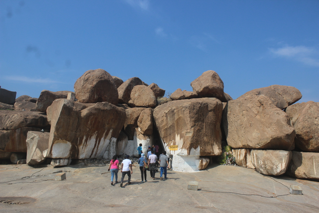 More mythology: this cav... Ruins of Hampi. MemExp Blog