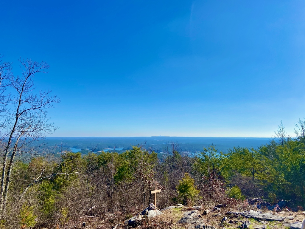 ...which offers scenic v... Pine Mountain Hike. MemExp Blog